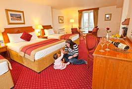 hodson-bay-family-room