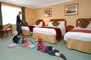 """The Inishowen Gateway Hotel For Families"""