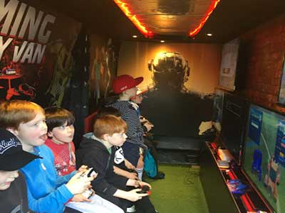 """Gaming Party Van Dublin"""