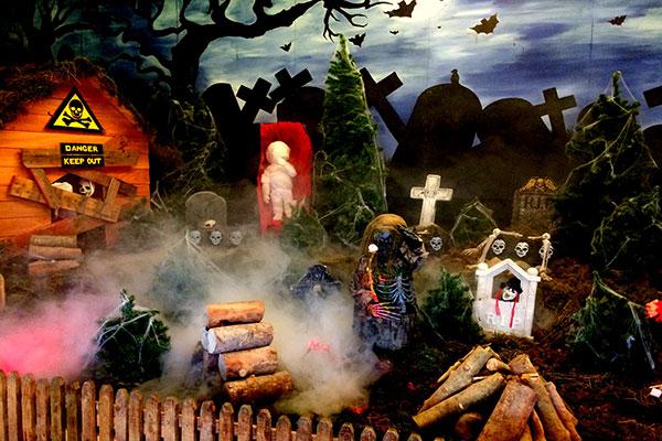 """Glendeer Pet Farm at Halloween"""