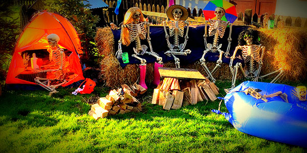 """Halloween in Glendeer Pet Farm"""