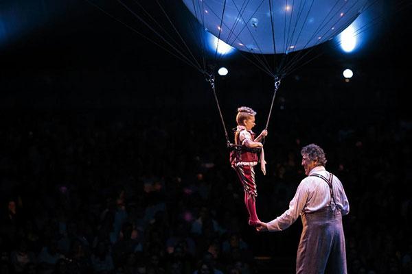 """""""Cirque Du Soleil -Corteo"""""""